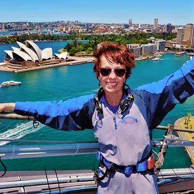 Climbing the Sydney Harbour Bridge - The Wise Travelller