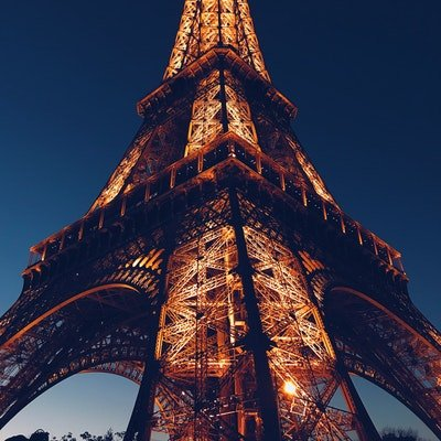 The Wise Traveller - Hotel On The Eiffel Tower? Eiffel Tower to be turned into a holiday let!