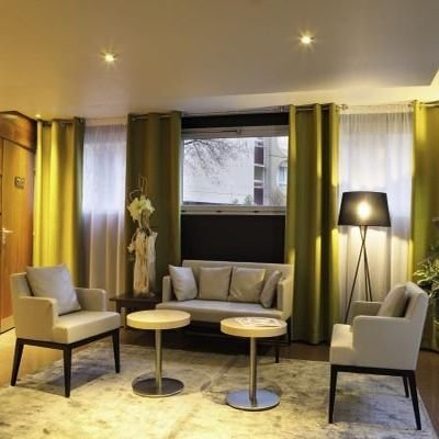 Hotel Review - Hotel Belambra Magendie Paris - 13th Arrondissement - Latin Quartier - Left Bank - The Wise Traveller - Lobby