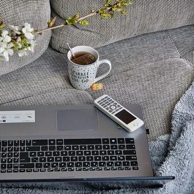 How to Maintain Focus and Balance While Working from Home - The Wise Traveller - Work from home