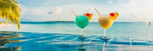 Is All-Inclusive For You? Useful Tips When Considering All-Inclusive Holidays - The Wise Traveller - Cocktails near the pool - Holiday