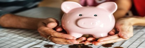 More Tips To Travelling On A Budget - Piggy Bank - The Wise Traveller