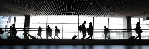 Top Tips for Travelling During the Holidays - The Wise Traveller
