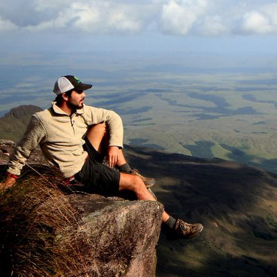 Travel Blogger: Miguel of Travelsauro