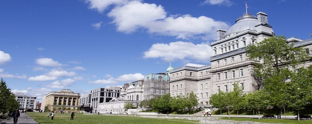 3 Different Ways to Sightsee Montreal - The Wise Traveller - Architecture