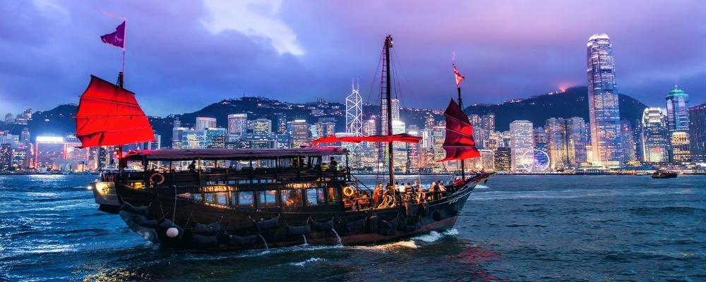 5 Amazing Asian Waterfront Cities - 5 Asian Cities With Great Waterfronts - The Wise Traveller - Hong Kong, China