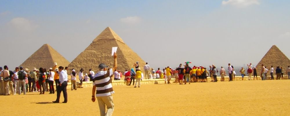 5 Bucket List Debunks - 5 Travel Fantasies That Can Be Travel Nightmares - The Wise Traveller - Seeing The Pyramids