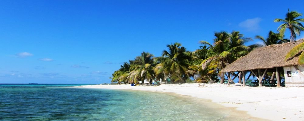 Best Trips For Solo Travelers - The wise Traveller - Laughing Bird Caye - Belize