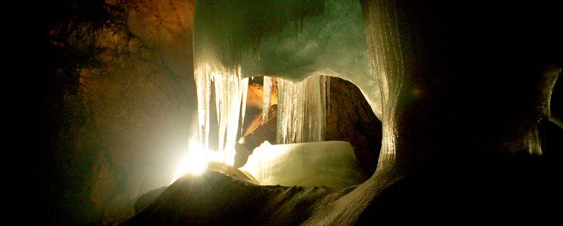Incredible Explorable Caves - The Wise Traveller