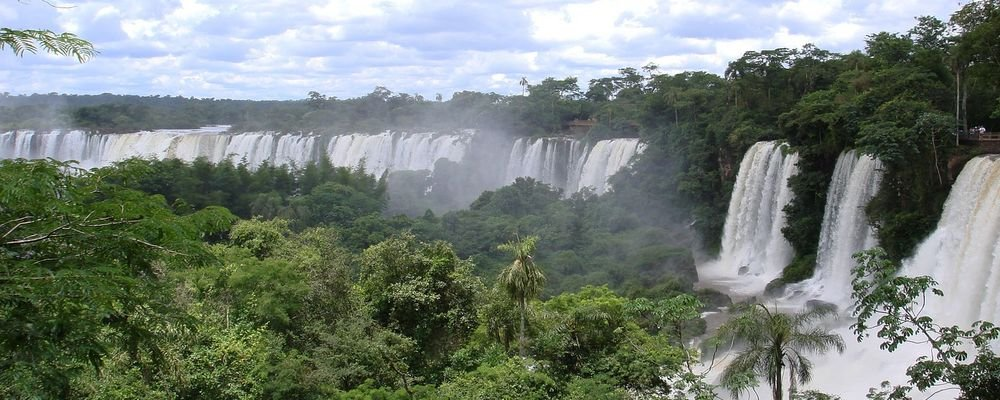 Five Lesser Known Impressive Waterfalls - The Wise Traveller - Iguazu Falls, Argentina