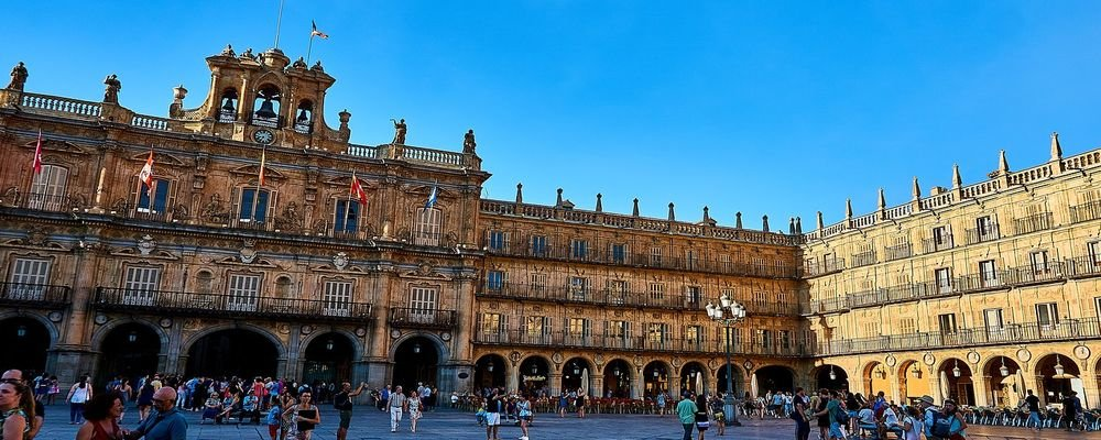 Five Spanish Cities to Visit Instead of Barcelona - The Wise Traveller - Salamanca