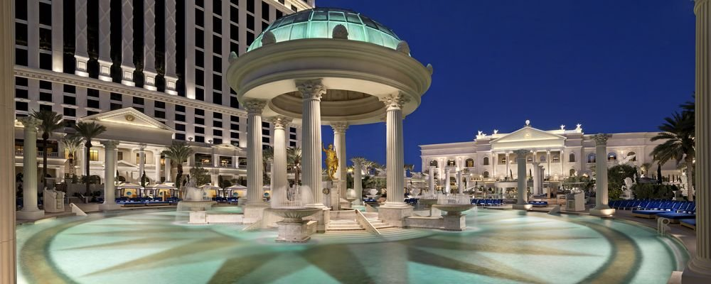 Hotel Review - Caesars Palace - Las Vegas - Nevada - USA - The Wise Traveller - Caesars Palace - Garden of the Gods Pool Oasis - Temple Pool