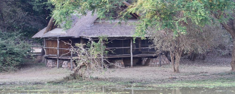 Hotel Review - Mfuwe Lodge - South Luangwa National Park - Zambia - The Wise Traveller - Hut