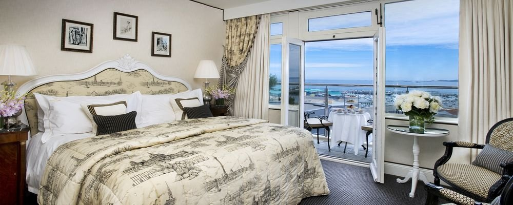 Hotel Review - The Old Government House Hotel & Spa - St Peter Port - Guernsey - Channel Islands - The Wise Traveller - Sea View King size bed