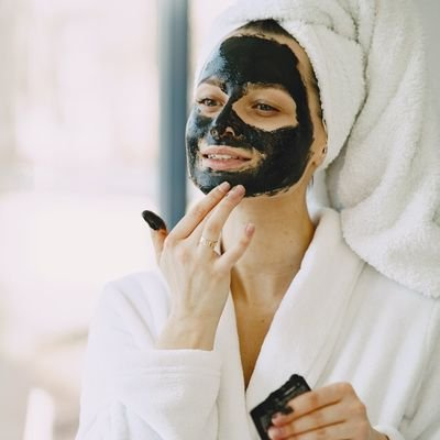 How to Create a Five-star Spa Experience at Home - The Wise Traveller - Face Mask