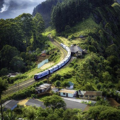 How to Cut Down on the Environmental Impact of Your Travels - The Wise Traveller - Train
