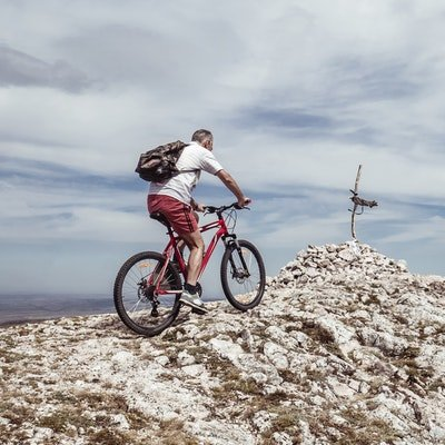 How to Decide Where to Travel to Next - The Wise Traveller - Travel activity - Cycling