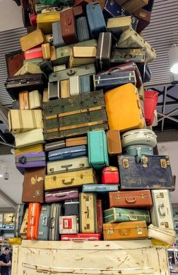 Airport Scams Excess Luggae