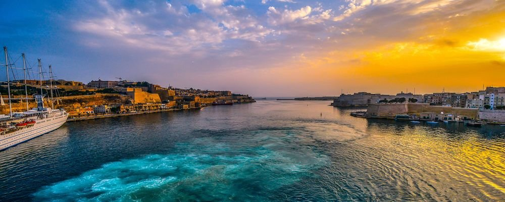 Malta and Gozo - Short Travel Guide - The Wise Traveller - Valetta