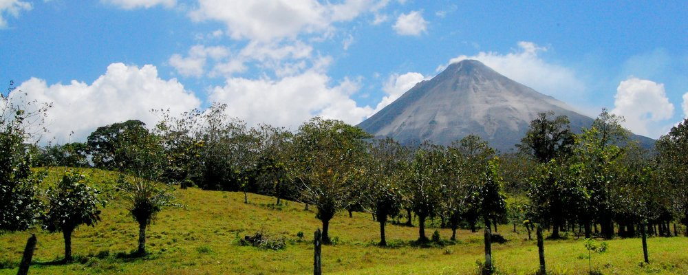 Volcano Tourism - The Wise Traveller
