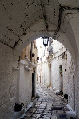 Wandering Ostuni's Winding Streets - The Wise Traveller