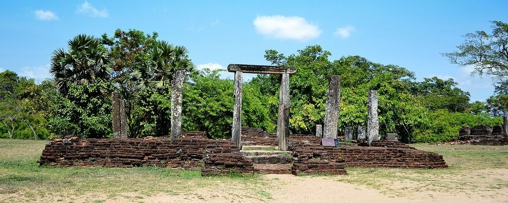 Sri Lanka's Tears - The Wise Traveller - Polonnaruwa