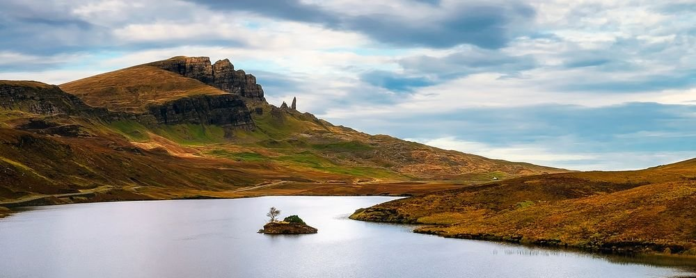 The Best Islands to Visit Off the Coast of the U.K - The Wise Traveller - Isle of Skye