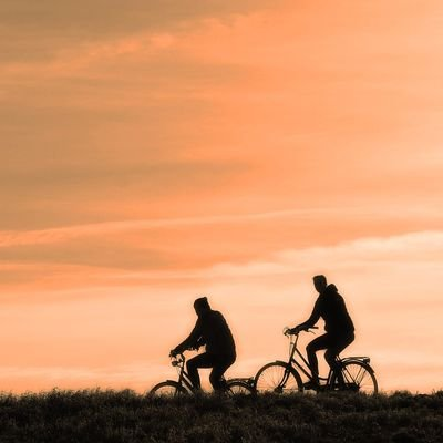 Tips for Travelling Like a Millennial - The Wise Traveller - Cycling