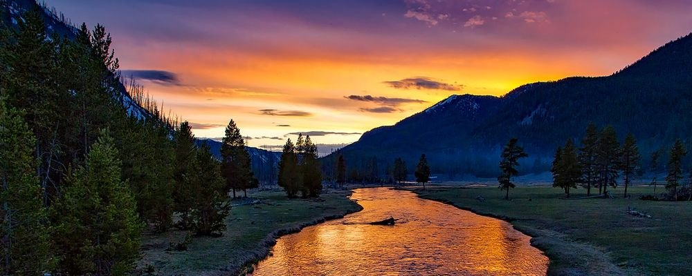 Top Ten National Parks in the U.S.A. - The Wise Traveller - Yellowstone National Park