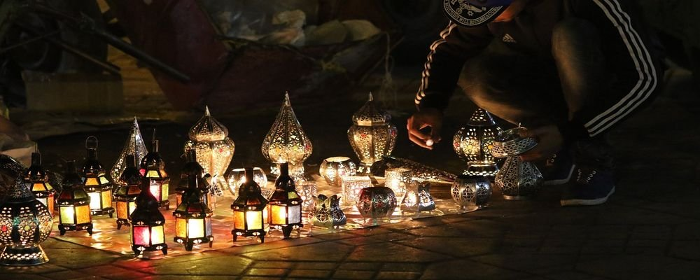 Top Tips for Shopping in the Souks of Marrakech - The Wise Traveller - Lamps