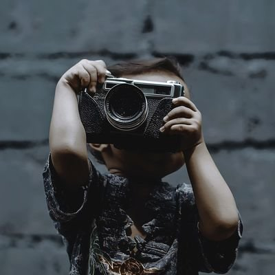 Top Tips for Travelling with Children - The Wise Traveller - Camera