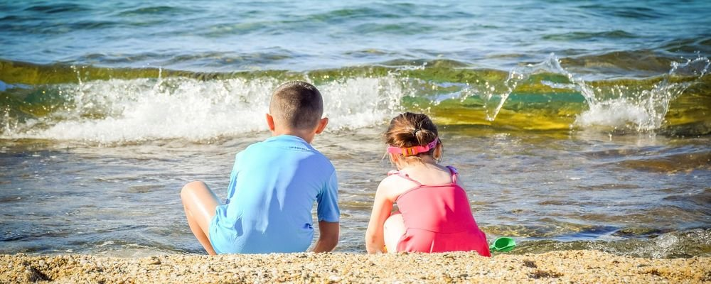 Top Tips for Travelling with Children - The Wise Traveller - children