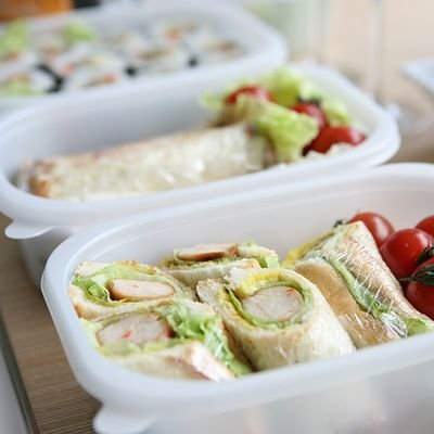 Wandering Well - Tips for Healthy Eating on the Road - The Wise Traveller - Lunchbox
