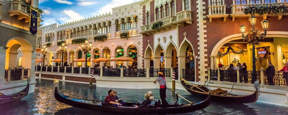 Which Destinations Will Pay for You to Visit Post-pandemic - The Wise Traveller - Las Vegas